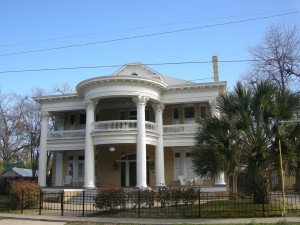 King William District - several streets of large grandeur homes and cottages