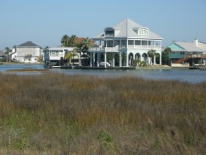 Bayside home on inland waterway