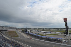 Start finish line and pit lane